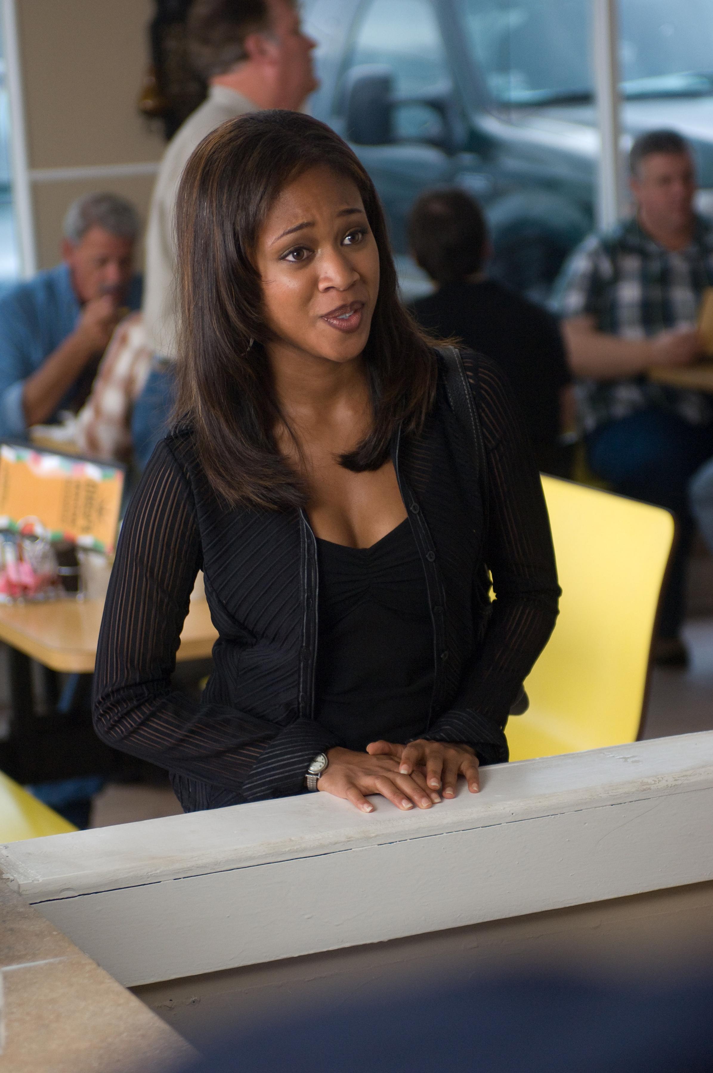30124ea10b7 NicoleBeharie as DeeRoberts AMERICANVIOLET.JPG